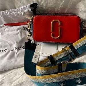 Authentic Marc Jacobs Snapshot crossbody bag.